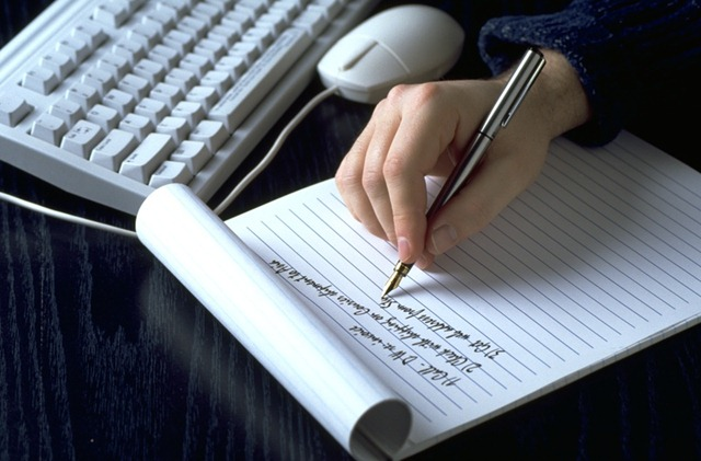 10 Ways to Make Money Writing [Online and Offline]